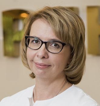 Майструк Юлия Владимировна хирург лечение катаракты в клинике Зрение СПб
