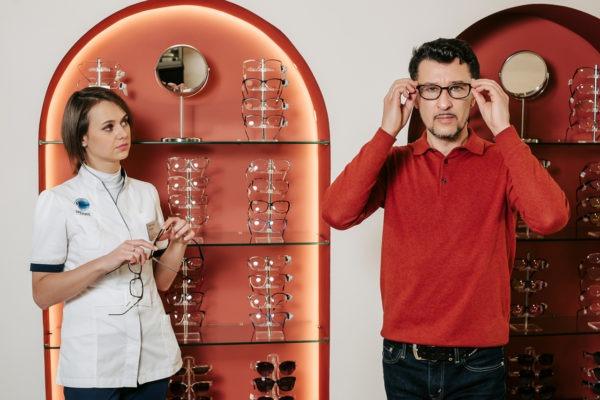 Подбор очков оптика очки линзы зрение офтальмология проспект Добролюбова Санкт-Петербург метро Спортивная купить очки
