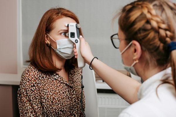 Проверка внутриглазного давления клиника Зрение офтальмологический центр СПБ метро Спортивная Добролюбова, 20к1