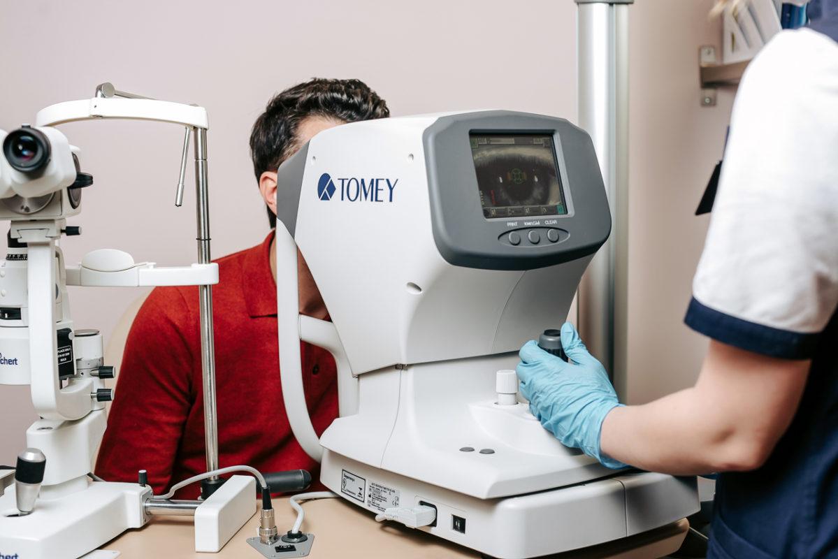 Корнеальный топограф TMS-4N (Tomey), кератотопограф в клинике Зрение спб